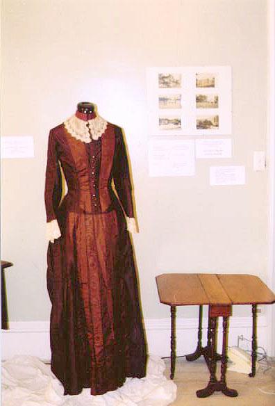 Women s fashions 100 years ago